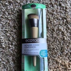 NEW EcoTools - Foundation Brush